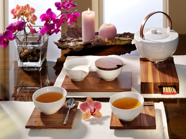 Chai Nussbaum Holz Tee-Service Friesland Porzellan