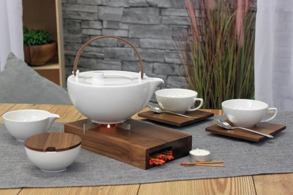 Teeservice Chai Nussbaum Friesland Porzellan und Holz mit Stövchen